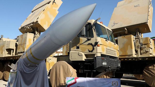 İran yeni hava savunma sistemini tanıttı