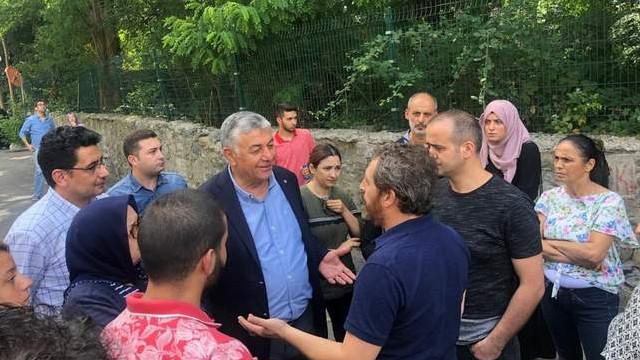 Bahçeköy'deki binada eşyaların tahliyesi başlıyor