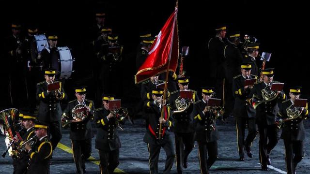 Türk mızıkasından Kızıl Meydan'da gösteri
