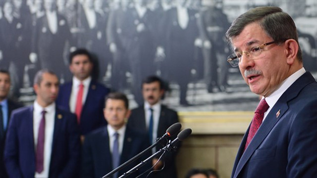 Davutoğlu'na ''7 Haziran - 1 Kasım'da ne oldu açıkla'' çağrısı