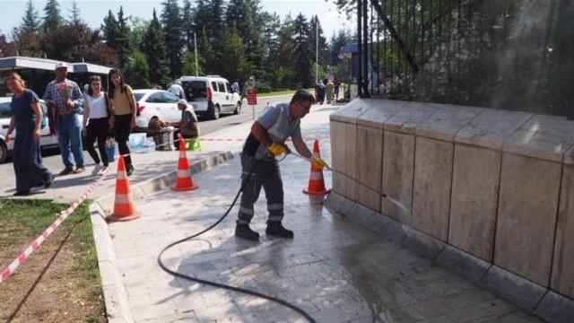 Büyükşehir'den Anıtkabir temizliği