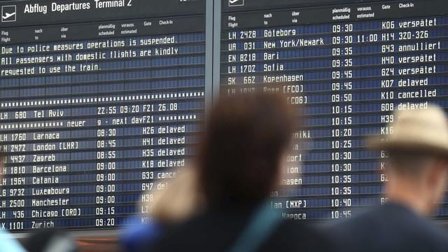 Bir yolcu tam 130 uçuşu iptal ettirdi