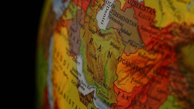 İran'ın savaş uçağı düştü