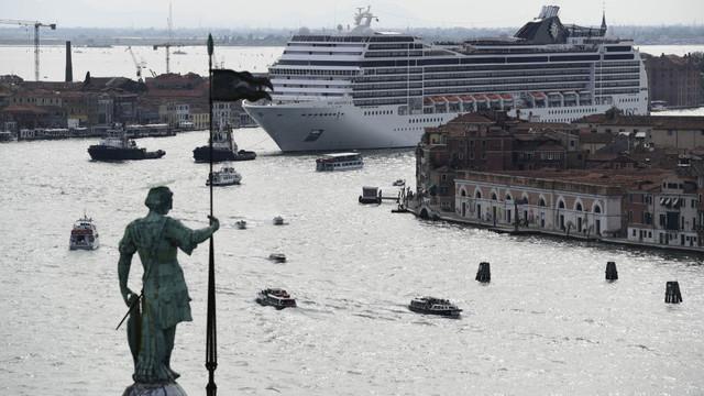 Yolcu gemilerinin Venedik'e girişi yasaklanıyor