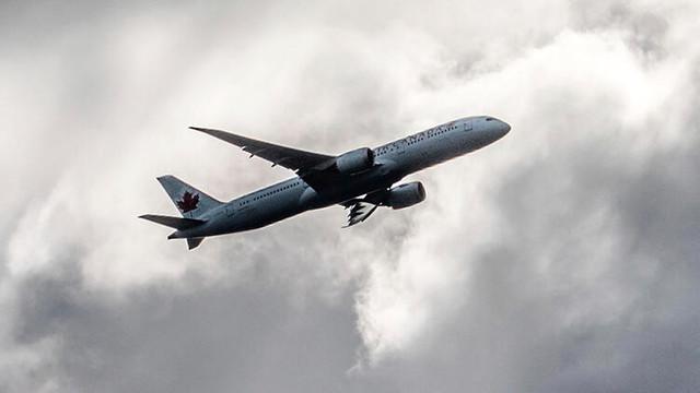 Uçak türbülansa girdi: 13 yaralı