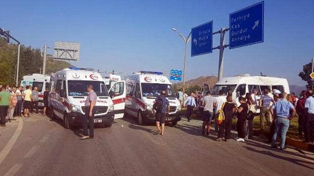 Öğrenci servisi kaza yaptı: Çok sayıda öğrenci yaralandı!