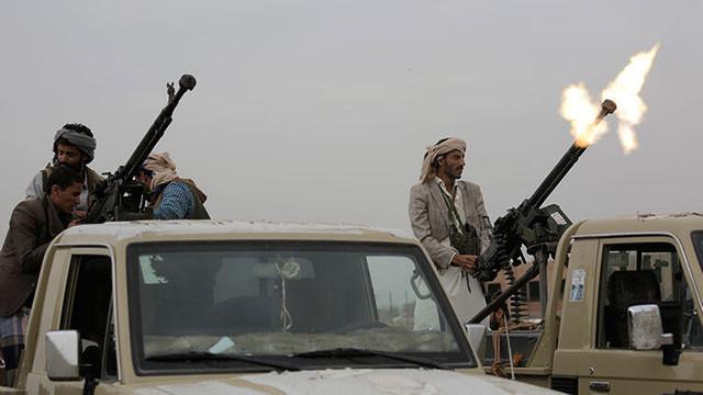 Husiler Suudi Arabistan'ın askeri kampını vurdu