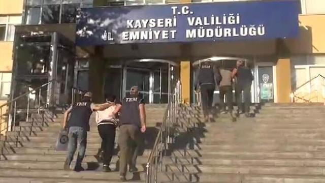 Kayseri'de 2 DEAŞ şüphelisi adliyeye sevkedildi
