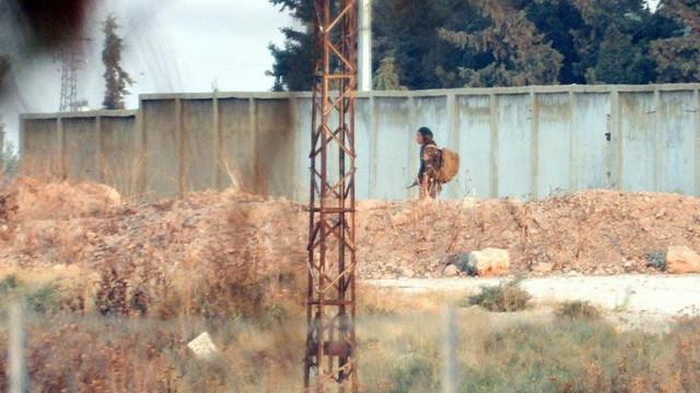 Teröristler Türkiye sınırında cirit atıyor!