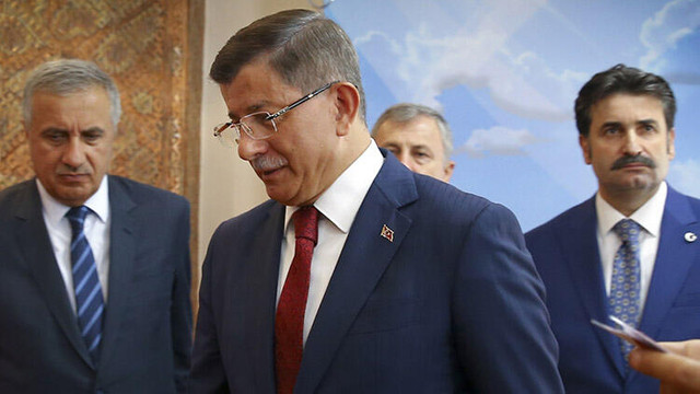 AK Parti'den Davutoğlu'nun istifasına ilk tepki geldi