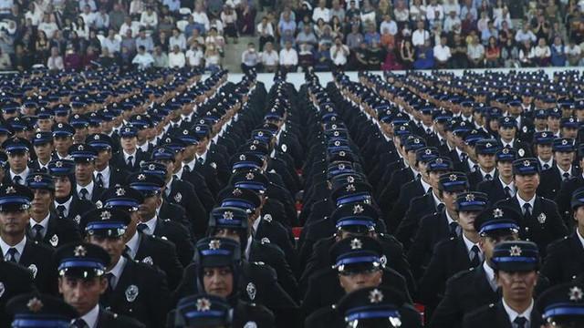 Emniyet 2 bin 500 polis alacak
