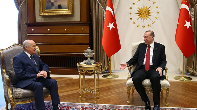 AK Parti ve MHP'de büyük kayıp ! Üye sayıları eriyor...