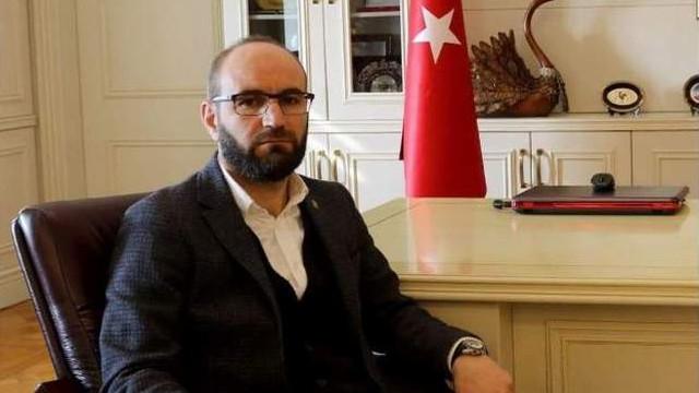 AK Parti'de bir Davutoğlu istifası daha