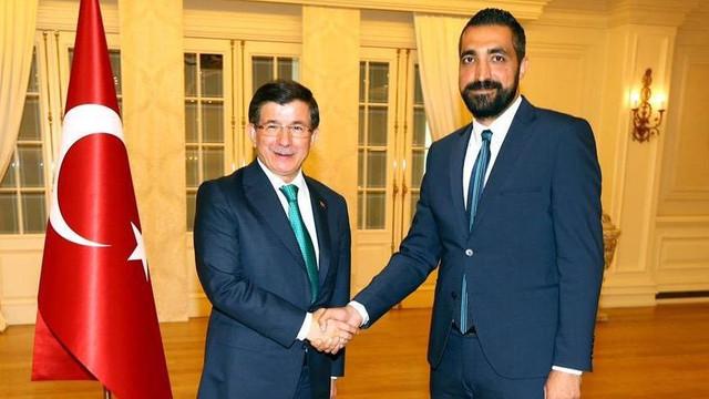 Hükümet medyasında Davutoğlu operasyonu; o isim kovuldu !