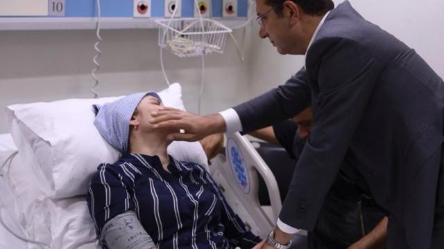 İmamoğlu'ndan Neslican Tay'ın ailesine hastanede ziyaret