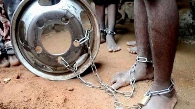 Çocuk Kuran Kursunda vahşet: Ayaklarından zincirleyip taciz ettiler