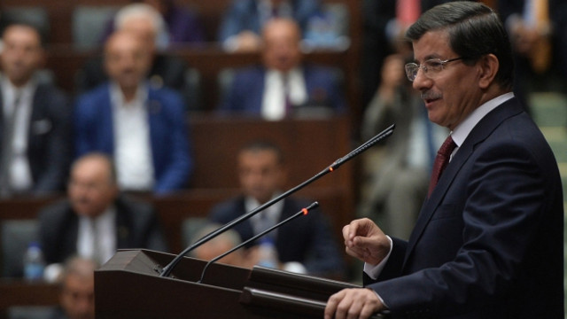 AK Parti'den ihracı istenen Davutoğlu sessizliğini bozdu !