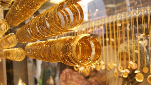 Altın fiyatları düşüşe geçti ! Çeyrek ne kadar ?