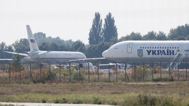 Uçaklar peş peşe havalandı! Havada mahkum takası