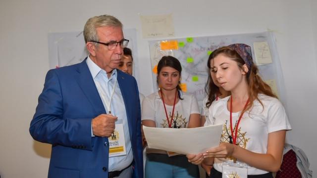Başkan Mansur Yavaş gençlerle buluştu