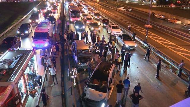 İstanbul'da zincirleme kaza, ölü ve yaralılar var !