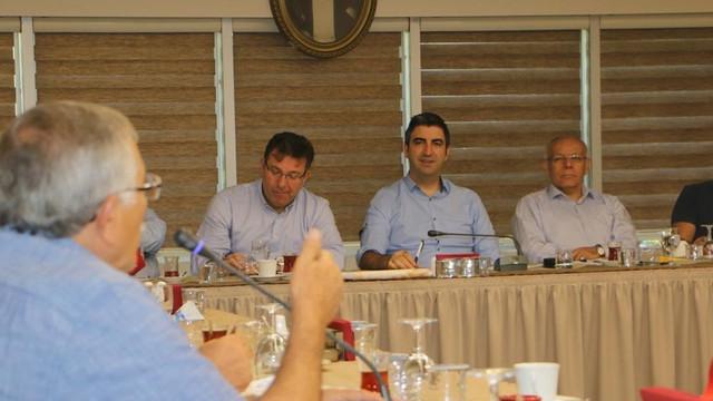 Başkan Gökhan Yüksel, Kartal'ın Muhtarları ile Bir Araya Geldi