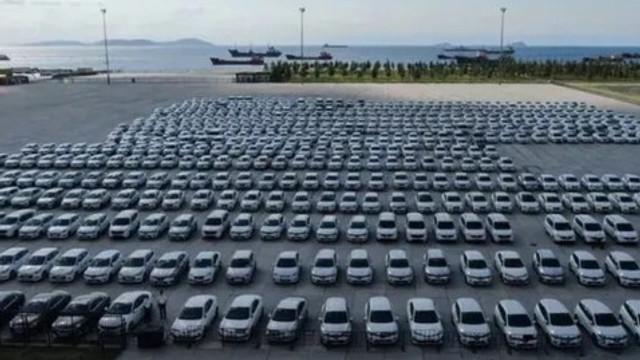 Yenikapı'daki tartışma yaratan araçlar kaldırıldı