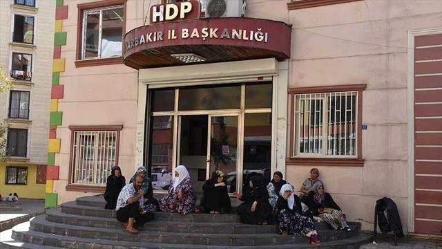 TBB'den Diyarbakır annelerine destek