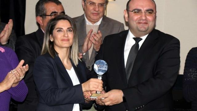 Selahattin Demirtaş'a İnsan Hakları Demokrasi, Barış ve Dayanışma Ödülü