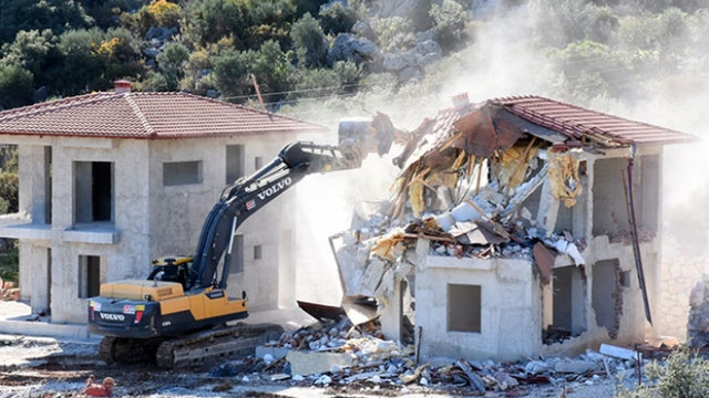 SİT alanına villa yaptılar, kendileri yıktılar