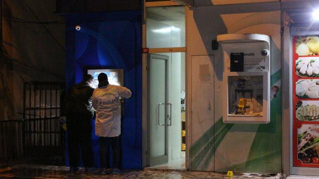 İstanbul'da vandallar iş başında! Hepsini ateşe verdiler