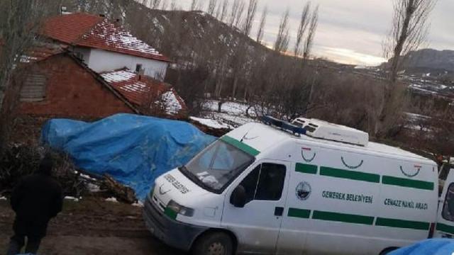 4 çocuk annesi tavana asılı halde bulundu
