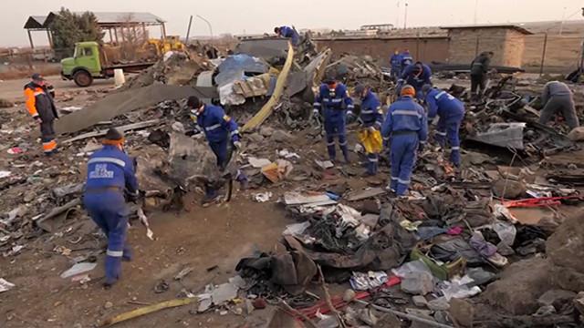 Ukrayna uçak enkazına ait yeni görüntüleri yayınladı !