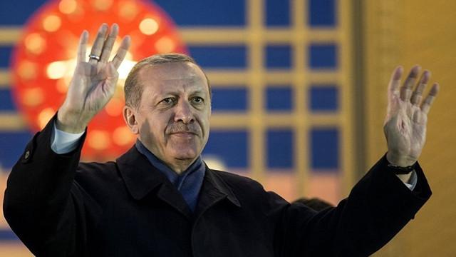 AK Parti'den sürpriz hamle ! 100'e yakın belediye başkanı transfer edecek