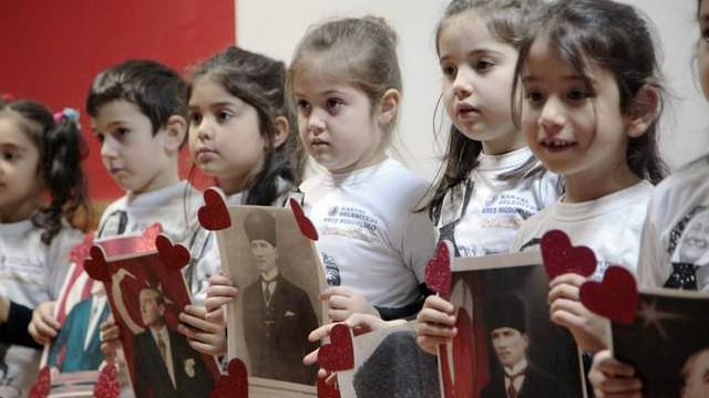 Atatürk'ün annesi Zübeyde Hanım Kartal'da anıldı