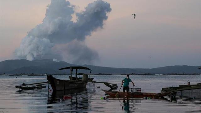 Filipinler'de alarm verildi: Her an patlayabilir