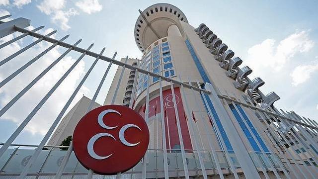 MHP'de 5 ittifak istifası