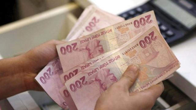 Emeklilerin zamlı maaşları bugün hesaplarda