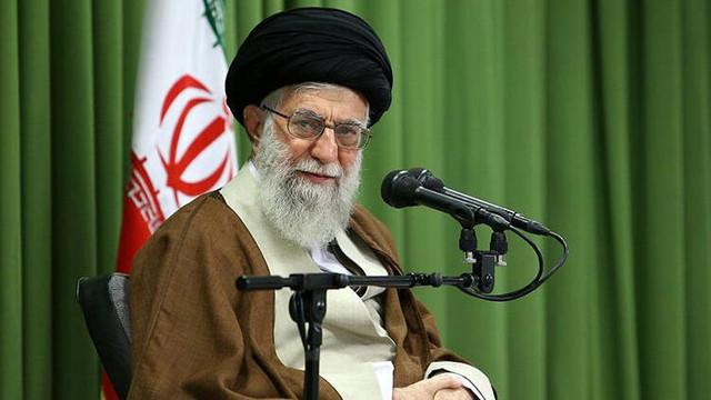 İran'da 8 yıl sonra bir ilk: Hamaney'den cuma hutbesinde sert sözler