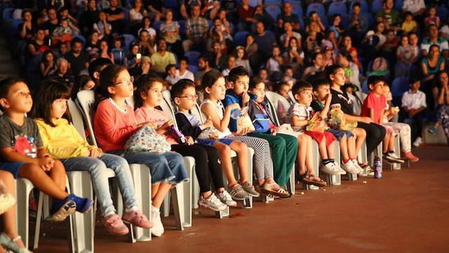 Kartal Belediyesi'nden Kartallı çocuklar için yarıyıl şenliği