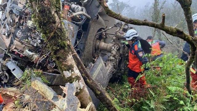 Ülke şokta ! Genelkurmay başkanı helikopter kazasında öldü