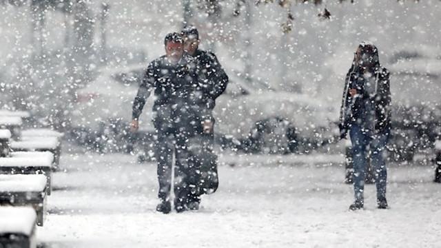 Kar İstanbul'un kapısına dayandı ! İBB ve Valilik'ten uyarı