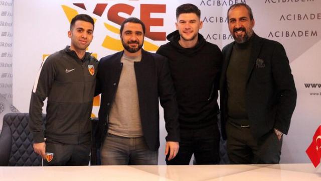 Kayserispor, Emre Taşdemir ve Cristian Sapunaru'ya imzayı attırdı