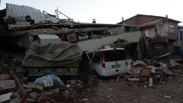 Elazığ'daki depremzedeleri duygulandıran mektup