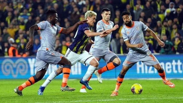 Başakşehir, Kadıköy'de 9. mağlubiyetini aldı