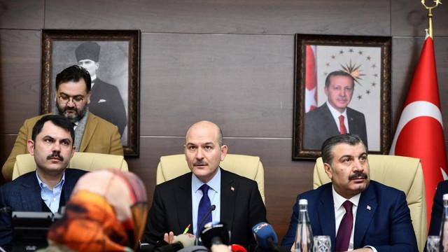 Bakan Süleyman Soylu: ''6 kişi enkaz altında''