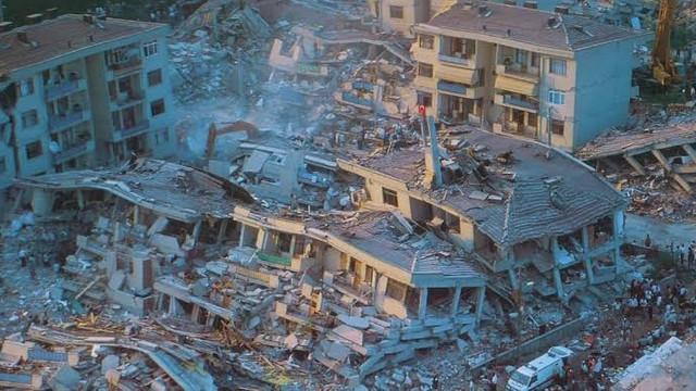 Beklenen büyük deprem için korkutan uyarı: İstanbul'da facia yaşanır