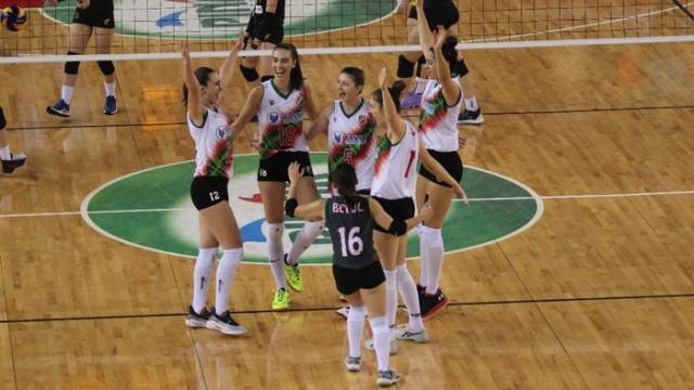 Kadınlar Voleybol 1. Ligi: Karşıyaka: 3 - Göztepe: 0