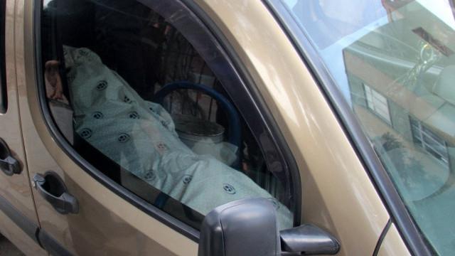 Yer: Adana... Aracın içindeki ceset polisi alarma geçirdi