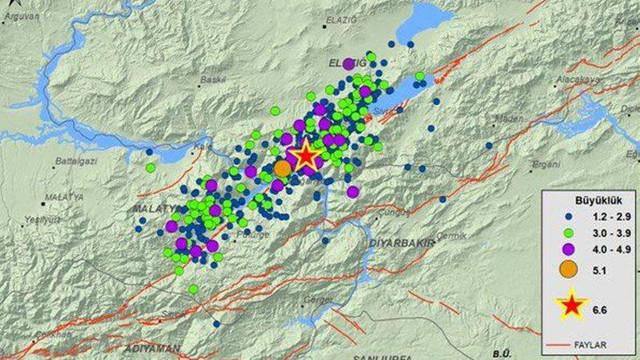 Elazığ ve çevresi sallanmaya devam ediyor: 717 artçı sallantı!